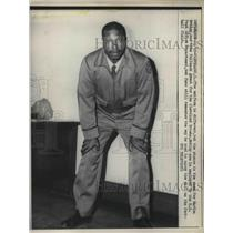 1958 Press Photo Marion Motley fullback of Cleveland Browns, worker at US Post.