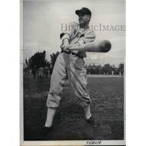 1938 Press Photo Rupert Thomson, new comer to Chicago White Sox at batting