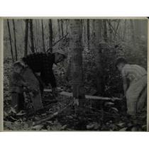 1943 Press Photo Bronko Nagurski, son Bronko, Jr.