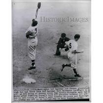 1951 Press Photo Washington 1st baseman Jim Vernon & 2nd baseman Cass Michaels