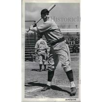 1938 Press Photo Pittsburgh Pirates Catcher Al Todd With Pitcher Bill Swift