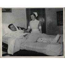 1933 Press Photo John Berly Philadelphia National Hurler and Nurse Mary Louise