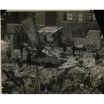 1925 Press Photo Excavating In New York With Dynamite, Steel Blankets In Place