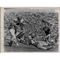 1962 Press Photo Bears Rick Casares vs 49er Jim Ridlon - nea14954