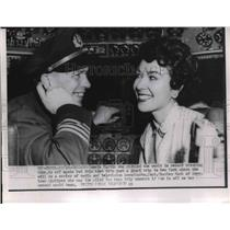 1953 Press Photo Pamela Martin & pilot Capt. Charles Hack