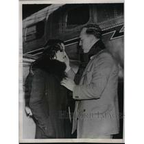 1936 Press Photo flier David Llewellyn and wife at Hanworth Aerodrome in London