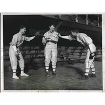 1934 Press Photo Ray Magirigal Don Kellett Ace Harrington NY Baseball
