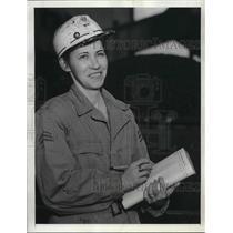 1945 Press Photo Mrs. Carl SaundersFairmont, West VirginaWoman Coal Miner