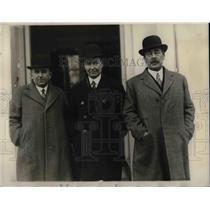 1930 Press Photo Edmund Abbot, Parker J. Maloney, Australia, Sir Ronald Lindsay