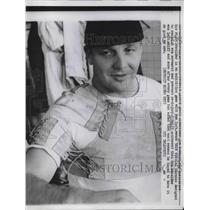 1960 Press Photo Lions Lineback Joe Nehmidt Shoulder harness