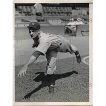 1936 Press Photo Kemp Wicker, New York Yankee Player - nea43114