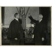 1952 Press Photo Wilbur Cross Inducted As New Connecticut Governor