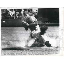 1936 Press Photo Phillies Catcher Joe Lonnett Waits For Ball To Reach Glove