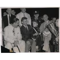 1938 Press Photo James Lyons, James Roche, Jr. And Douglas Corrigan At Reception