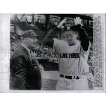 1961 Press Photo Mickey Vernon of the Senators and Nester Chylak, Jr., Umpire
