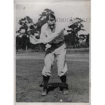 1933 Press Photo Johnny Allen, Pitcher, on links at St. Petersburg, Florida