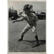 1940 Press Photo Sidney Hudson Pitcher Washington Nationals Spring Training Camp