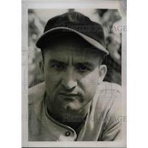 1939 Press Photo Cincinnati Reds Infielder William Myers At Training Camp