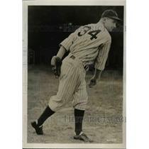 1934 Press Photo James DeShong of New York Yankees