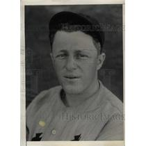1934 Press Photo Detroit Tigers Catcher Eugene Desautels At Training Camp