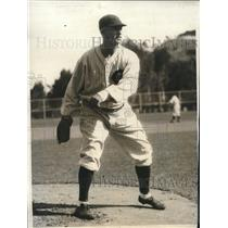 1931 Press Photo Cubs pitcher Jess Petty during morning workout
