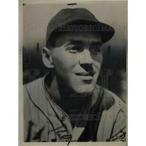 1935 Press Photo Roy Hughes Of The Cleveland Indians