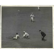1931 Press Photo Lary of New York Yankees - nea45266