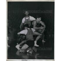 1943 Press Photo Merion,Pa HS basketball, Heindel,Adams,Spendrov - nea49429