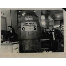 1923 Press Photo Speaker Barrel at Chemical Exposition at Grand Central Palace