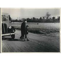 1938 Press Photo North Carolina Vast School Bus Program