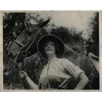 1924 Press Photo Christine Morey & her polo pony