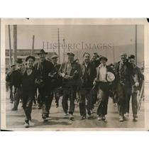 1922 Press Photo San Francisco Strikers Walk off Job