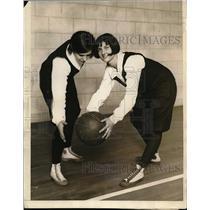 1926 Press Photo Laura Huelstar Blocks Jessie Pruves pass University of Illinois