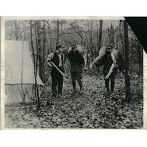 1931 Press Photo hunters with deer meat during the Depression - nea54335