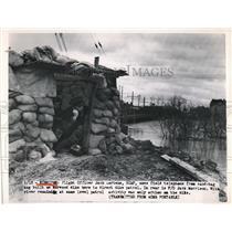 1950 Press Photo Flight Officer Jack Cortens, Jack Morrison, Direct Dike Patrol