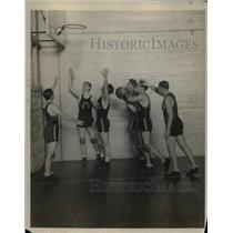1927 Press Photo Fordham University Basketball Team Practicing
