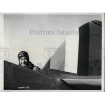 1941 Press Photo V.J. Hatton test pilotat Canadian Hurricane plant - nea70069