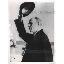 1938 Press Photo Foreign Minister Lord Halifax Waving Hat at First Flight