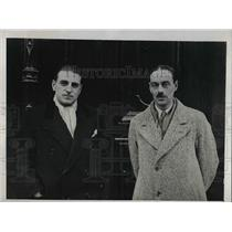 1931 Press Photo Rene Bergerioux, Vicomte Charles De Rouge, Tailless Plane