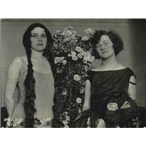 1923 Press Photo Mrs. F. Nane & Lucianne Nane Visit Washington, DC - nea90963