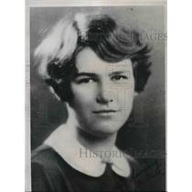 1935 Press Photo Lucretia Wilder, 23-years-old, Laboratory Technician