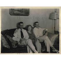 1930 Press Photo Endurance Fliers Mr. & Mrs. Forrest O'Brien & Red Jackson