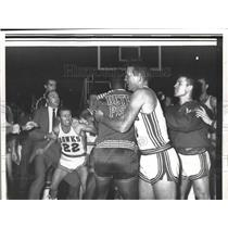 1958 Press Photo Battle Royal Between St. Louis and Detroit Pistons at St. Louis