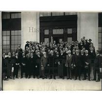 1921 Press Photo Lord Riddle & Correspondents - nex04788
