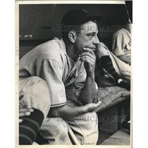 1934 Press Photo Johnny Verges New Giants in dugout