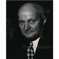 1946 Press Photo Dr. W. S. James, Ford Motor Company - neb18569