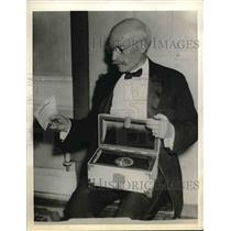 1936 Press Photo Francis Fisher Kane won Philadelphia Award, Nobel Prize
