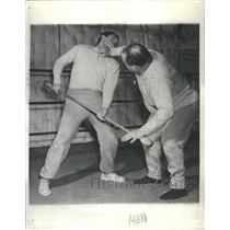 1942 Press Photo Bayonet Jiu Jitsu Chuck Second Step - RRS42193