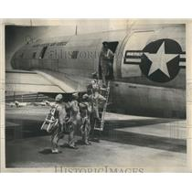 1950 Press Photo Officer Of The Wing Parachute Training - RRS89059