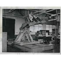 1961 Press Photo Ireland makes the Rocking Cockpit for a flight simulator